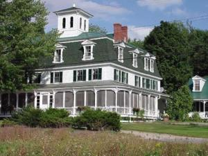 Woman Holds Essay Contest To Buy Her Maine Inn For 125