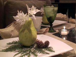 Christmas Decorations And Decorating The Fireplace Mantle And Table Settings 3