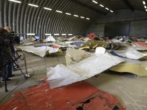 Mh 17 Wreckage On Display For Victims Relatives