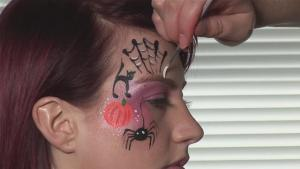 How To Face Paint For Halloween 10035702 By Videojug