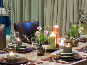 How To Set The Table For Fabulous Christmas Entertaining