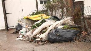 How To Handle Your Neighbours Unsightly Property 10023880 By Videojug