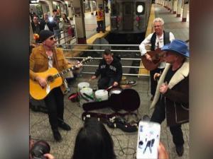 U 2 Gives Surprise Performance In Nyc Subway