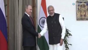 Putin Meets Indias Narendra Modi Seeking Energy Deals