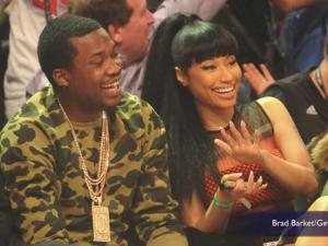 Nicki Minaj Ring Photos Fuel Speculation Shes Engaged To Meek Mill