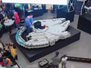 Stars Wars Fans Build Worlds Largest Millennium Falcon Out Of Lego