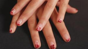 How To Do Blood Drip Nail Art 10036125 By Videojug