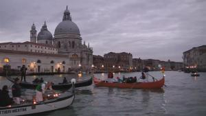 Venice Ushers In The Christmas Season By Boats