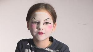 How To Do Mime Face Paint 10035031 By Videojug