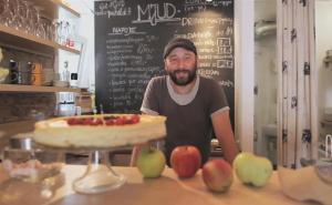 Applemania Takes Polish Restaurants By Storm