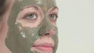 How Remedy Oily Skin With A Face Mask 10038625 By Videojug