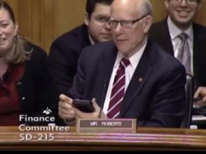 Senators Let It Go Ringtone From Frozen Interrupts Hearing