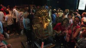 King Tutankhamun Burial Mask Sloppily Glued Back Together After Cleaning Mishap
