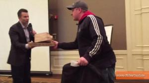 Pizza Delivery Man Surprised With 2000 Tip