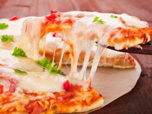 Thieves Busted Trying To Sell Stolen Pizza To Cops