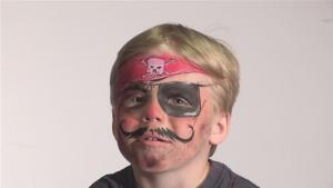 How To Do Pirate Face Paint 10035029 By Videojug