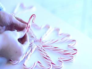 Candy Cane Heart Wreath 5 Th Diy Of Christmas
