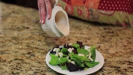 Houston's Garlic Buttermilk Salad dressing