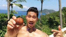 Snake Skin Fruit With Chef Ronnie Woo (Bali, Indonesia)