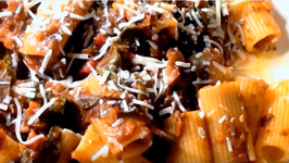 How to Make Vegetarian Bolognese Sauce with Lentils