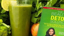 Kimberly Snyder's Glowing Green Smoothie