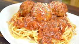 Mozzarella Stuffed Turkey Meatballs Recipe How to make Marinara Sauce