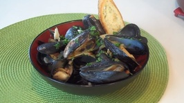 Steamed Mussels In White Wine - Savor The Flavors With Brittany Allyn