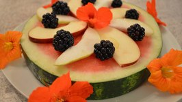 How To Make Watermelon Fruit Pizza