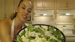 How to Make Romaine Salad with Baby Kale, Apple and Sheep's Milk Cheese