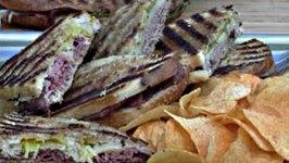 How to Make Panini on the Grill - Tailgate Recipe