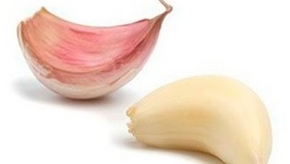 How To Peel Garlic Fast And Easy