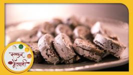 Kaju Chocolate Roll Recipe by Archana - Popular Indian Sweet Dish in Marathi - Cashew Barfi