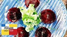 Pétales de betterave au caviar d'aubergines
