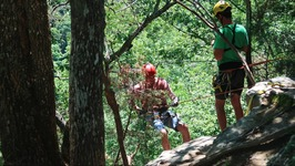 ABSEILING IN FORT PAYNE - Trek America in Alabama