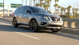 Nissan Pathfinder 2017 Midnight Edition Preview