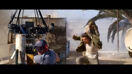Tom Cruise announces Top Gun 2