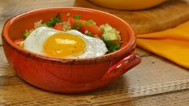 Southwestern Quinoa and Egg Breakfast Bowl