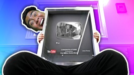 GETTING THE DIAMOND PLAY BUTTON - YouTubers Life No. 2