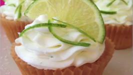 Cinco de Mayo Strawberry Margarita Cupcakes