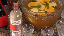 How to Make Spiked Iced Tea Punch