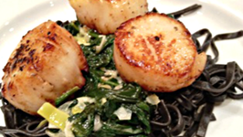 Coquilles St. Jacques with Leeks, Spinach and Pasta