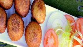 Bread Bonda Stuffed Bread Balls - Indian Vegetarian Snack