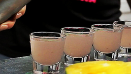 Cachaca Shots with Tipsy Bartender  Cozinha Para 2