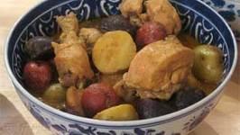 Yellow Chicken Curry (Gang Garee Gai)