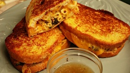 How To Make Monte Cristo Mac and Cheese Sandwiches