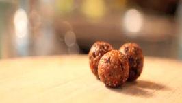No Bake Vegan Dessert - Fruit Nut and Chocolate Balls - Raw Food