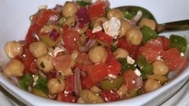 Simple Mediterranean Chickpea and Feta Salad
