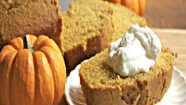Moist and Fluffy Pumpkin Bread- How to Make Pumpkin Bread