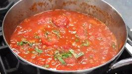How to Make Homemade Tomato Sauce