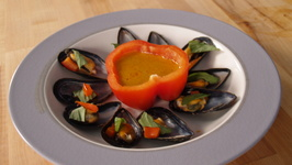 Steamed Mussels And Spicy Red Curry Sauce